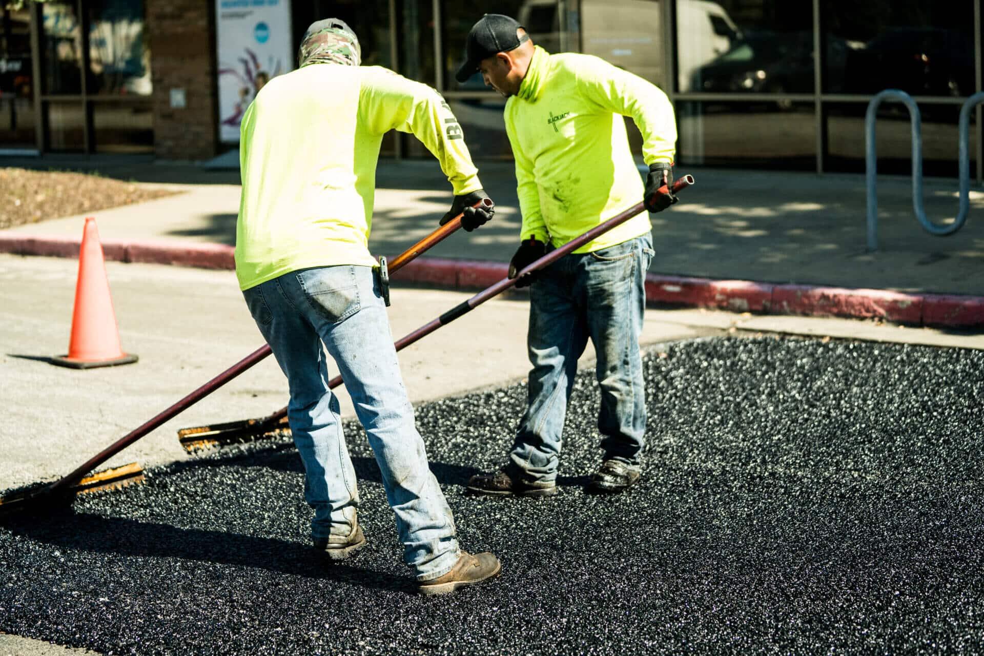 asphalt paving companies